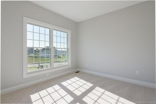 Photo of 25 Arbor Crossing East Lyme, CT 06333
